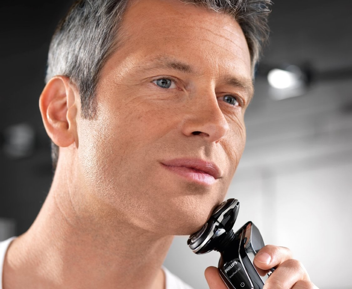 Men's Best Electric Razors for Guys With Sensitive Skin